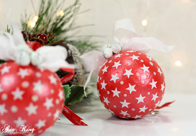 Easy shabby chic DIY Christmas bauble ornaments