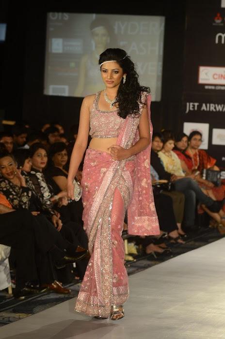 hyderabad fashion week beautiful model actress pics