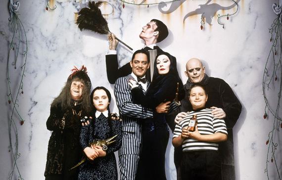 http://4.bp.blogspot.com/-DAxA1v-6aPk/TnJdQmSKGfI/AAAAAAAABQk/YqP-GOfVd1Q/s1600/The-Addams-Family-01-4.jpg