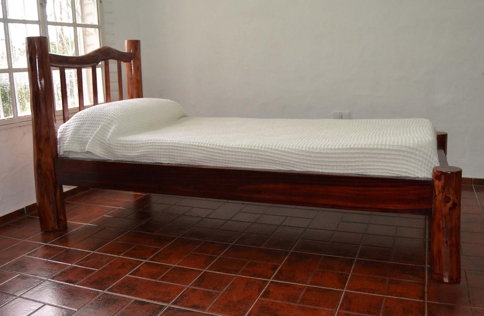 Muebles de quebracho colorado for Medida estandar cama individual