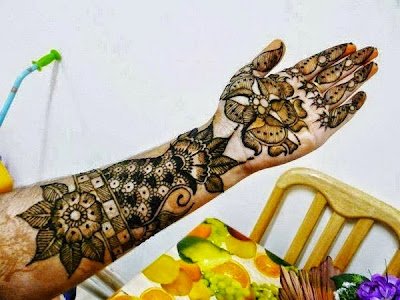 Brilliant bridal mehndi for hands