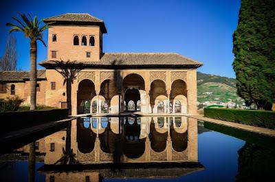 Voda a orient - hlavní znaky Alhambry