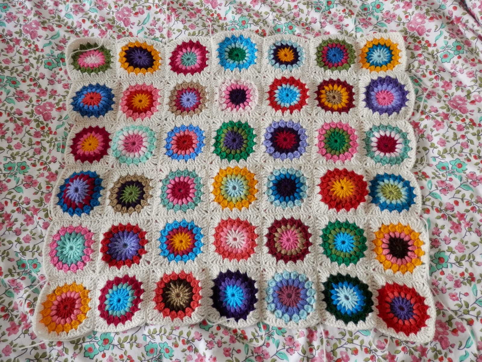 Mollie Makes Crochet Blanket secondhandsusie.blogspot.co.uk