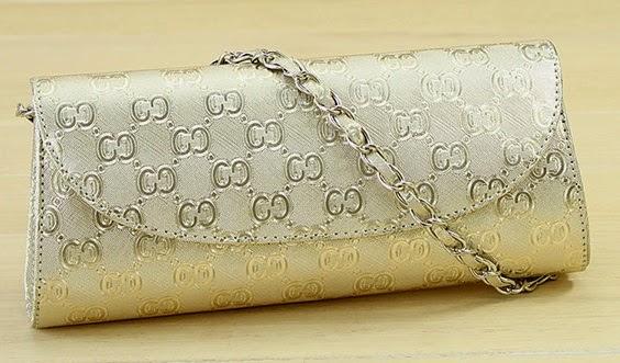 Elegant Glitter Clutch