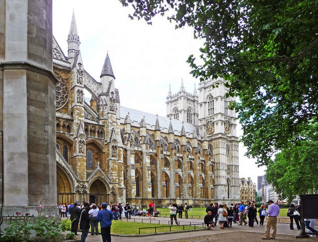 Westminster Abbey (north entrance) - London  attractions