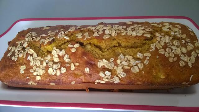 Cake aux pommes, avoine, raisins, sans beurre