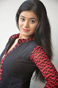 Yamini bhaskar glam pics-thumbnail-19