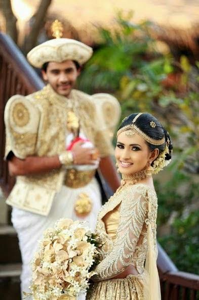 Saranga Disasekara and singer Umali Thilakaratne wedding ... Nehara Peiris And Menaka Rajapaksha Wedding