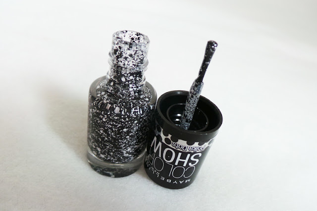 Maybelline Color Show Polkadots Chalk Dust Nail Varnish Review & Swatches