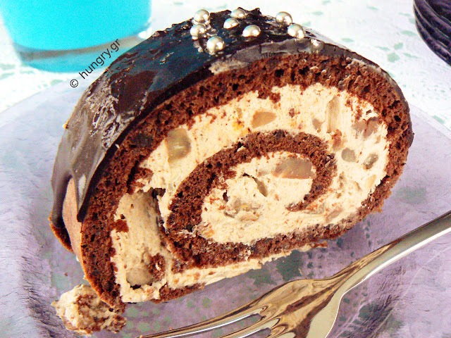 Chocolate Roll with Chestnuts