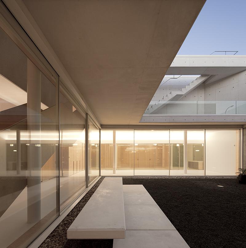 blanca y en leiria por arx portugal arquitectos fotografa fg sg u fotografa de