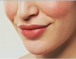 7 Tips dan Cara Mengatasi Bibir Kering dan Pecah Secara Alami