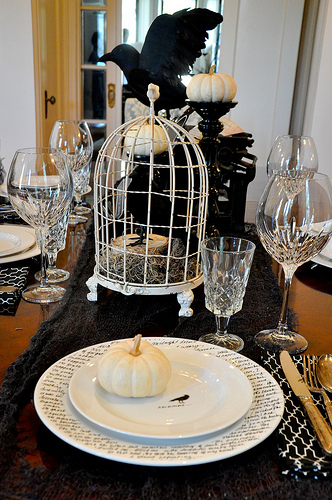 How to style a halloween table burritos and bubbly mr bazaar teamed up with stylist manvi drona hidalgo for a monochrome halloween bash i love the black on black look with a hint of metallic solutioingenieria Gallery