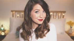 What is the height of Zoe Sugg?