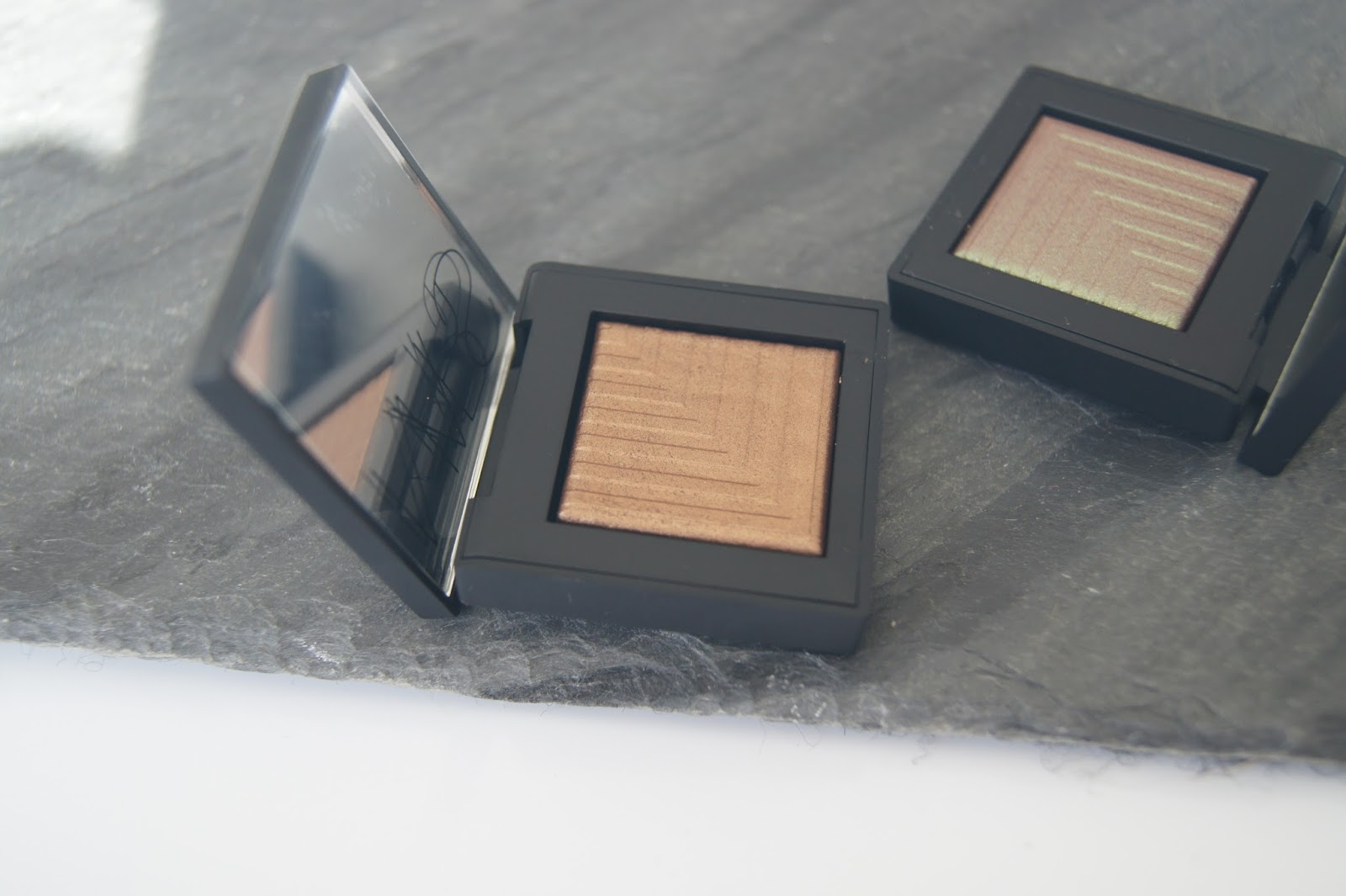 NARS Dual Intensity Eyeshadows Telesto