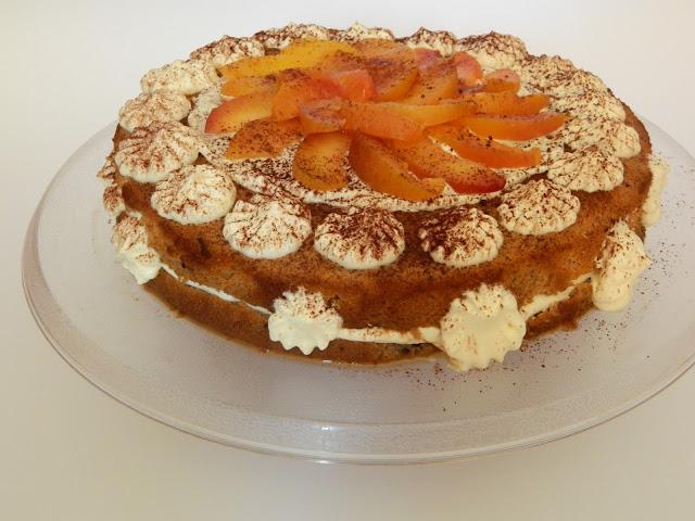 Tort cu mascarpone si nectarine