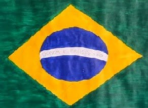 Aqui tem a foto de um bandeira do Brasil feita pelos alunos