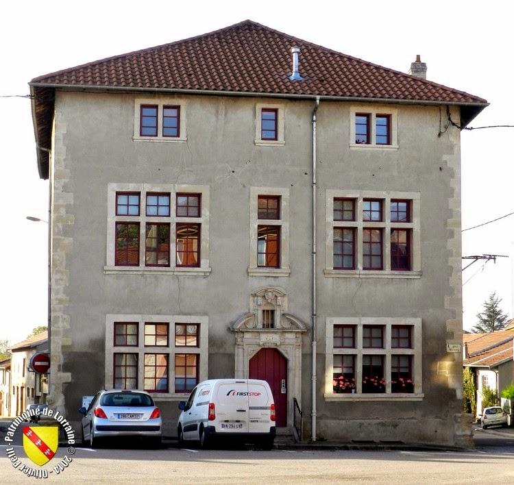 VIC-SUR-SEILLE (57) - Maison (XVIIe siècle)