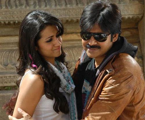 trisha krishnan pawan kalyan theenmaar movie stills pictures8