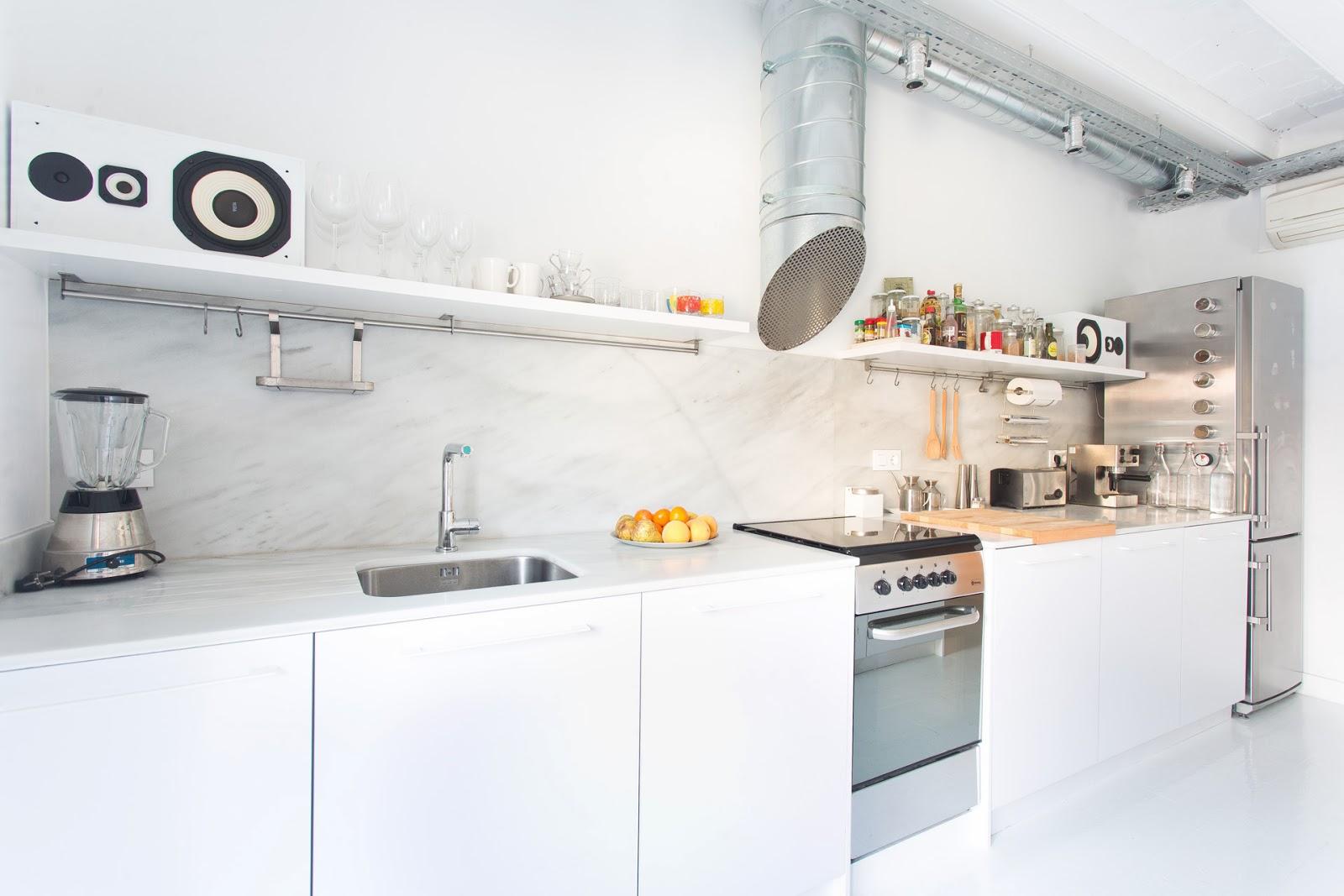 Productos contract rehabilitacion piso en barcelona for Idee deco cuisine avec lit rond
