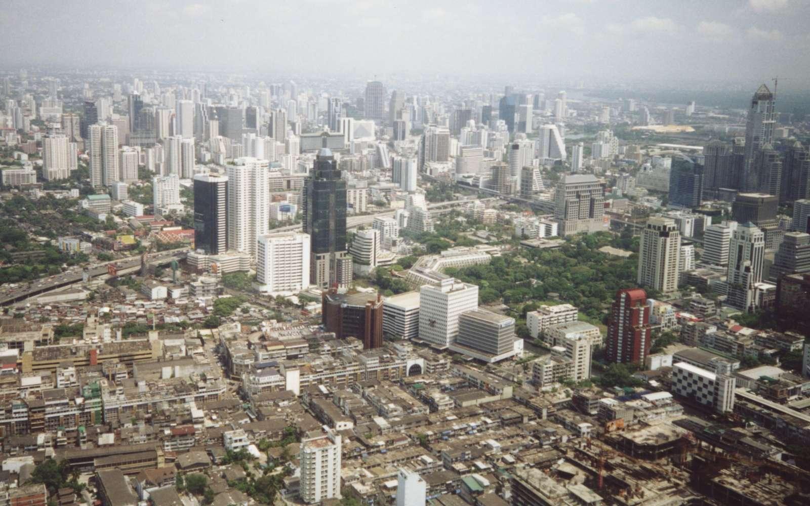 http://4.bp.blogspot.com/-DE2Iw_GIFkQ/TqfAwDUL0cI/AAAAAAAADT0/o5eGef6CuDk/s1600/Bangkok+city+of+Thailand+photos.jpg