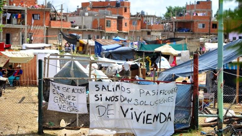 FALTA  de  VIVIENDAS