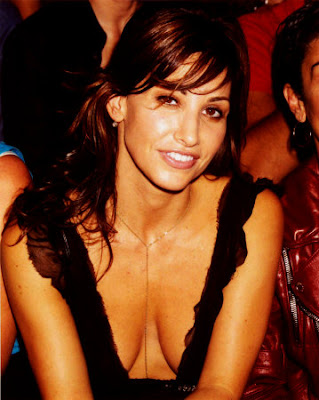 Gina Gershon: FUN FACT, there's actually a FACE in this picture too yaknow? ;)