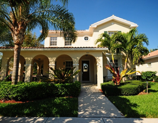 Jupiter golf course homes beautiful mediterranean homes for sale in valencia of abacoa Mediterranean home decor for sale