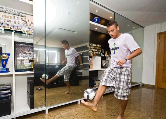 Neymar Playing With A Ball At Home