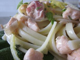 linguine con salmone, speck, zucchine e limone