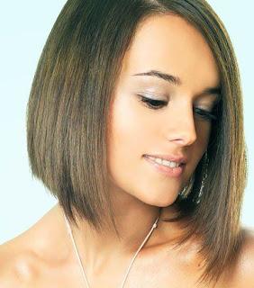 Alizee Short Layered Hairstyles - Female Celebrity short Hairstyle Ideas