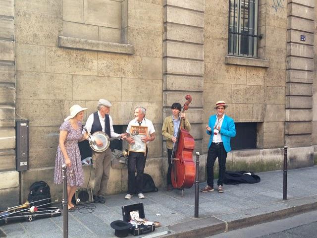 Rue francs Bourgeois Le Marais ©lovmint