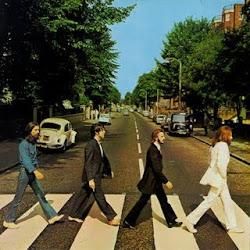 """""""Si vivir es durar, prefiero una canción de los Beatles a un Long Play de los Boston Pops."""""""