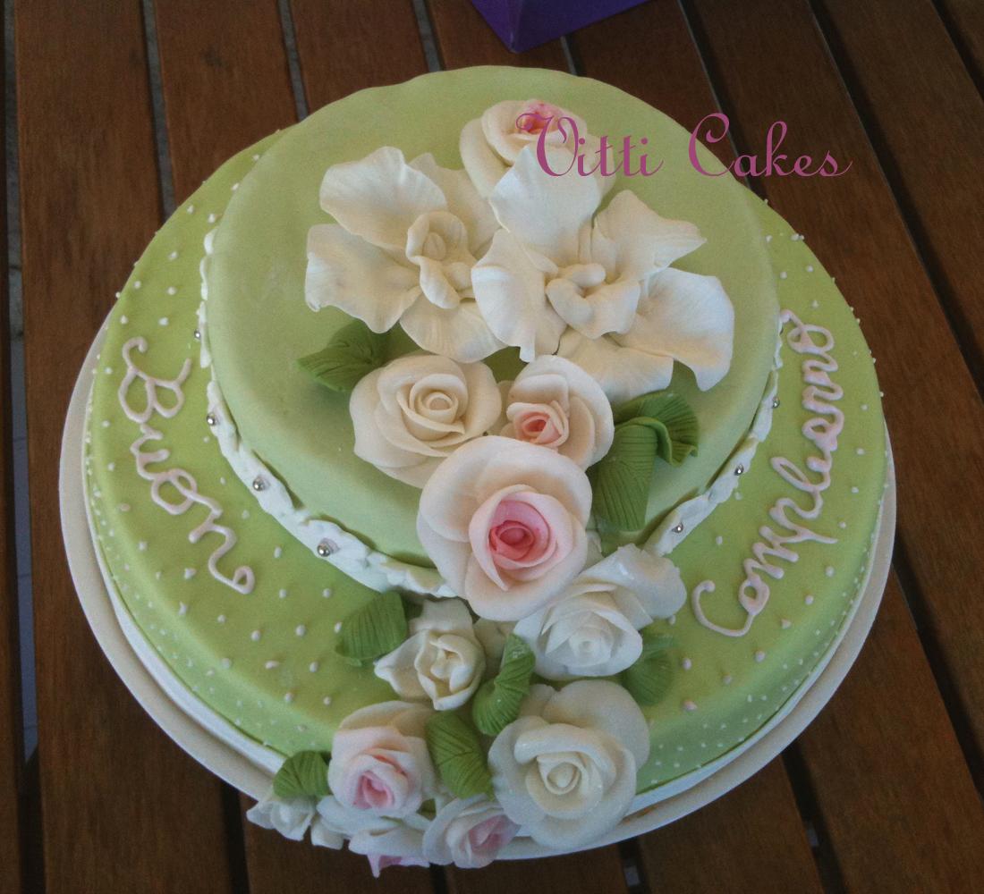 Una torta molto primaverile e femminile for Decorazioni torte trenino thomas