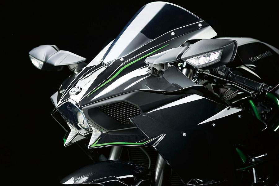 Kawasaki Ninja H2 (2015) Fairing Detail