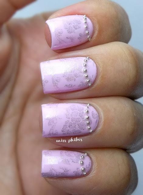 Marie Antoinette nails