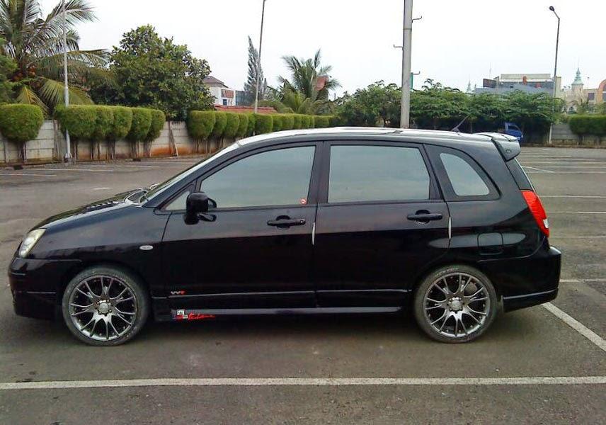 Modifikasi Mobil Suzuki Aerio Hitam