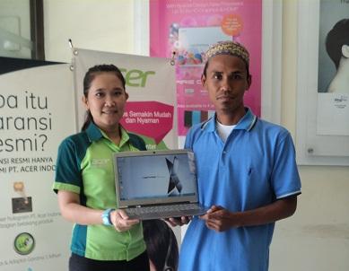 BJGP-Rizal menerima Laptop Guraru