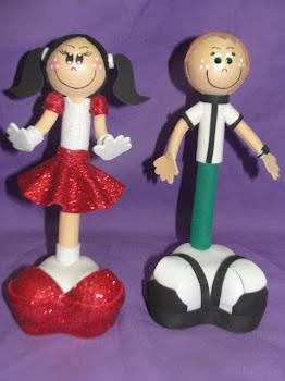sorteio; bonecas canetas em eva  Estou sorteando esta lindas bonecas canetas em eva ; para particip