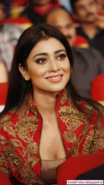Shriya Saran Hot Pics