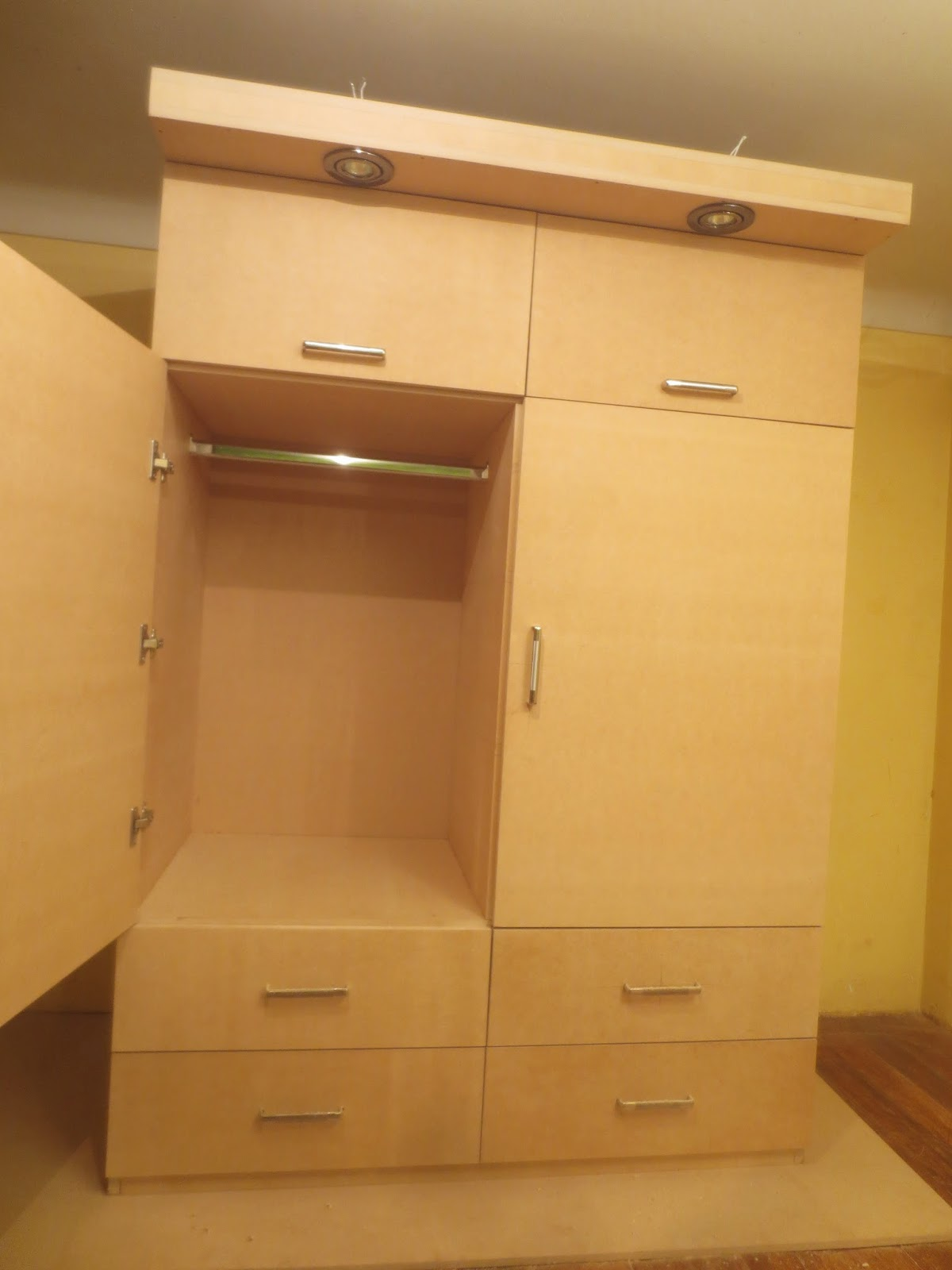 Decoraciones manualidades en madera como hacer un ropero for Closet en madera para habitaciones