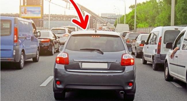 Οκτώ συνήθειες των οδηγών που «σκοτώνουν» το αυτοκίνητο και αδειάζουν το πορτοφόλι σας!