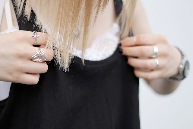 ring outfit details