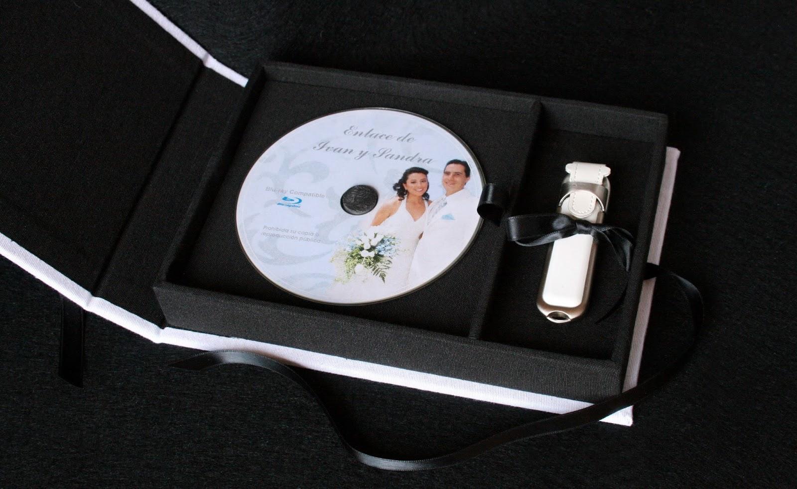 Caja para DVD y pendrive abierta 1