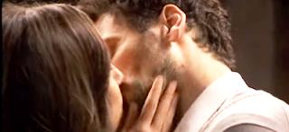 Aurora e Conrado bacio Il segreto