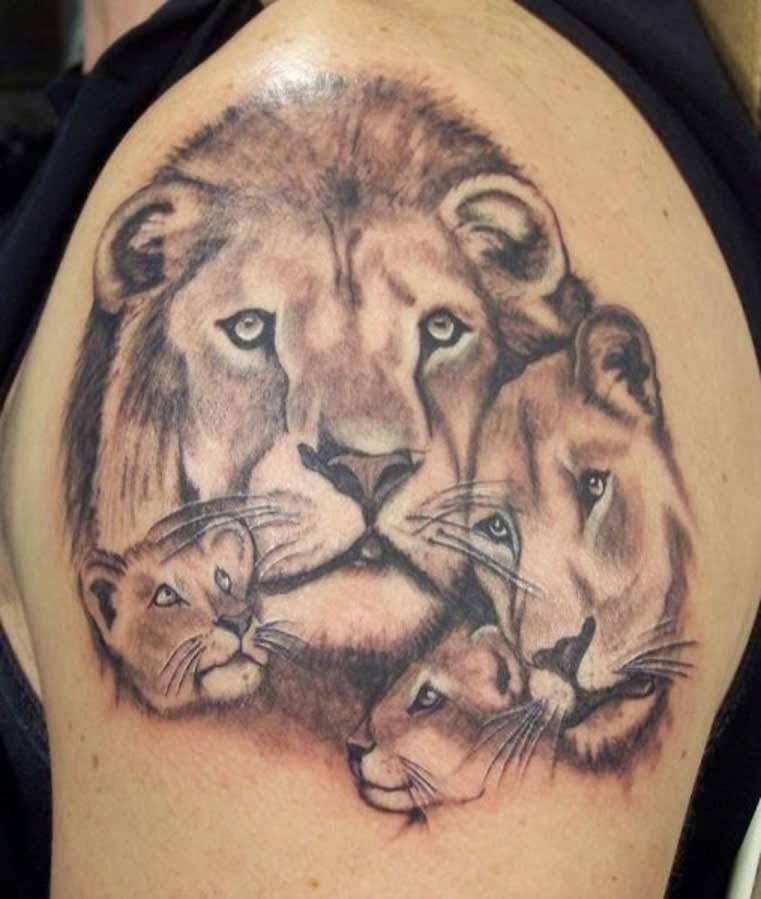Тату льва для девушки на плечо