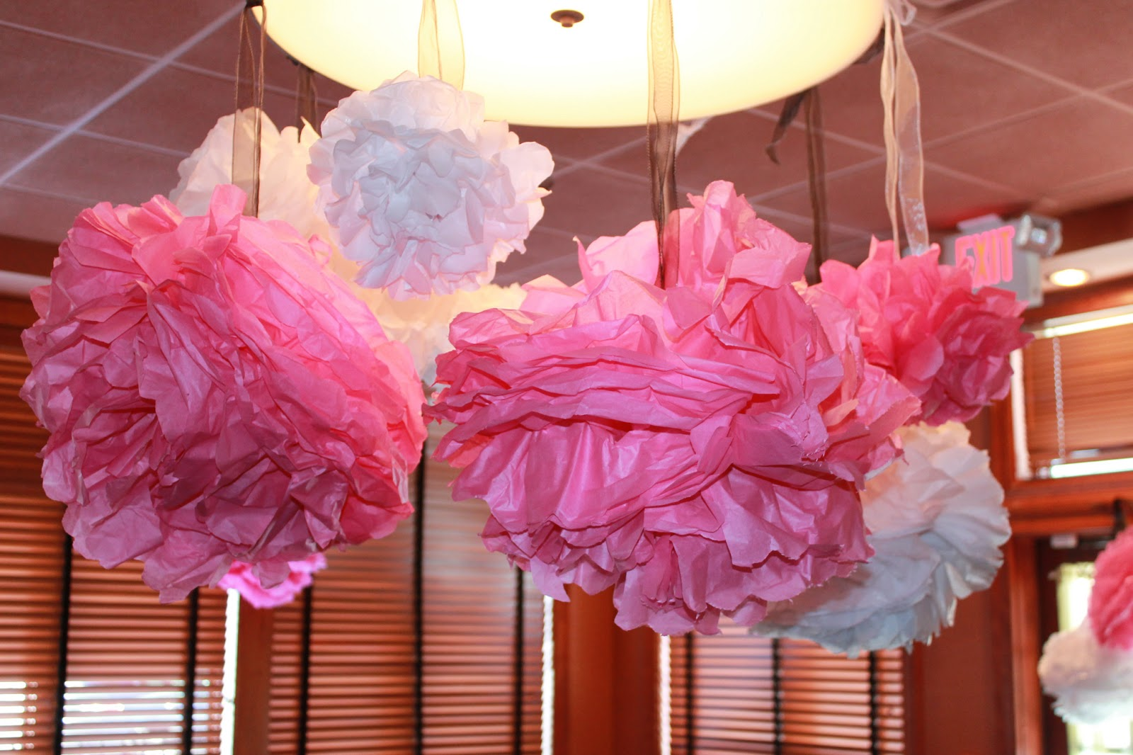 girlsgonefood: DIY Bridal Shower Decorations