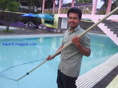 how to do a pool vacuum cleaner