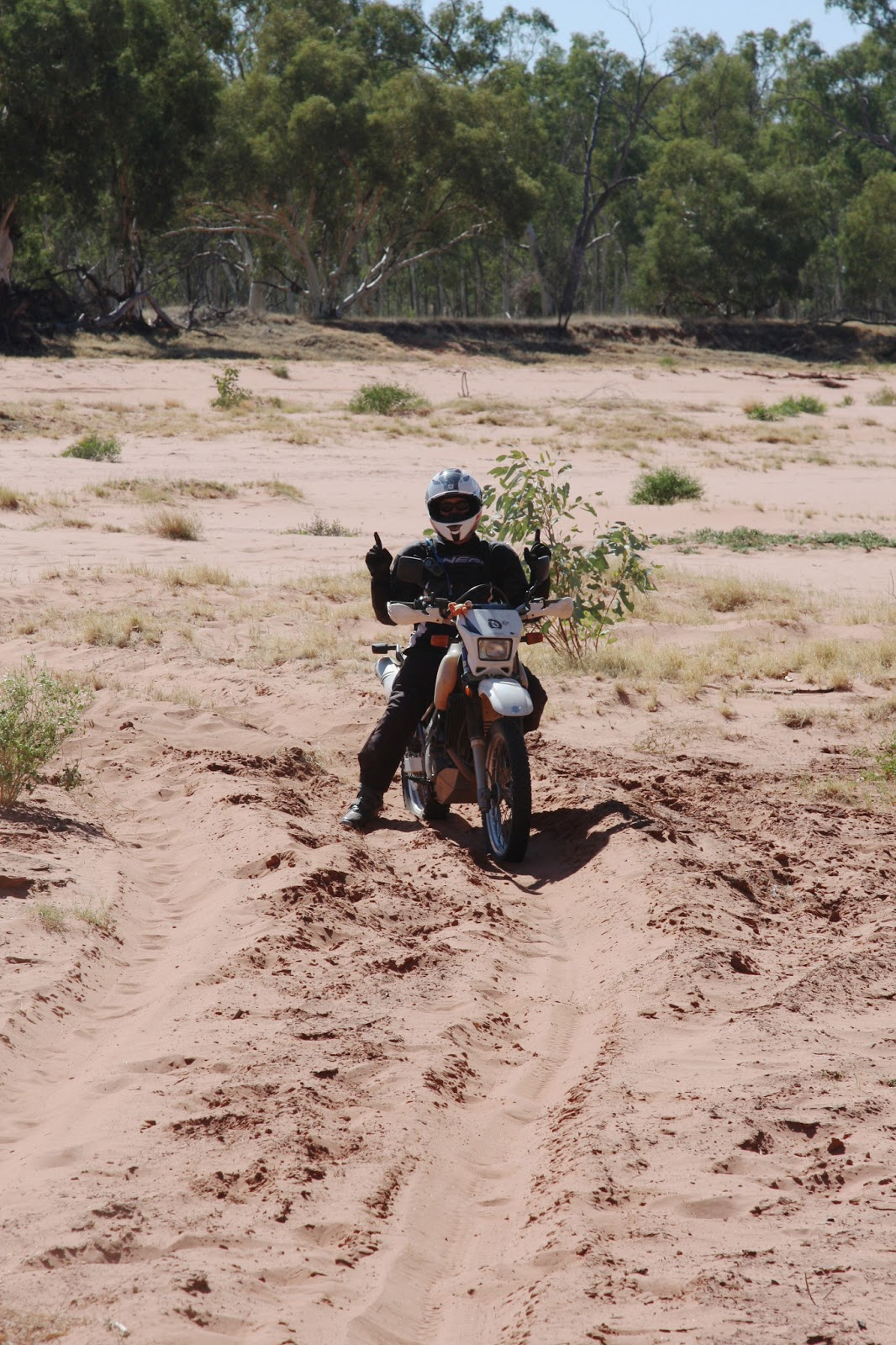 how to get to uluru from perth