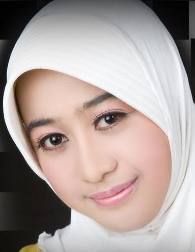 Gadis Panggilan Indonesia | Foto Artis - Candydoll